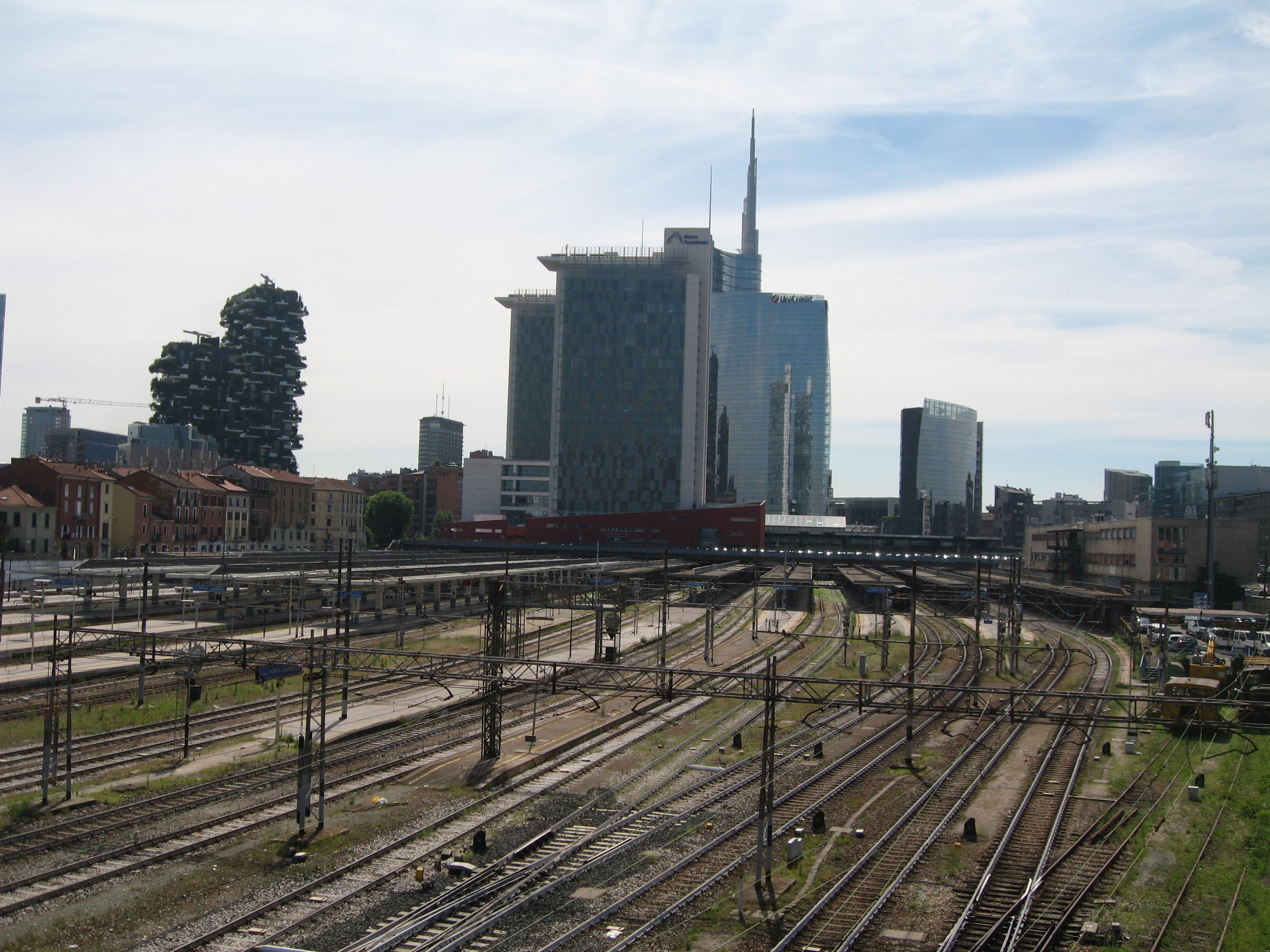 31 Milano Porta Garribaldi Perron 2